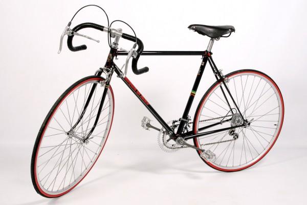 Pánsky závodný cestný bicykel  – renovácia so zachovaním pôvodnej patiny